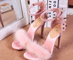 high heels, pink, and scream queens image