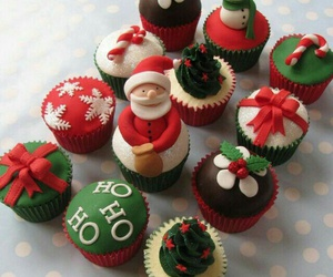 cupcakes, christmas cupcakes, and 🍰 image