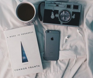 connor franta and iphone image