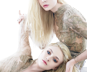fanning sisters image