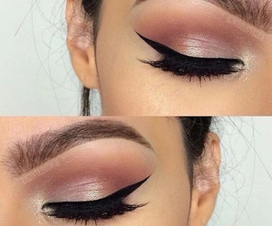 eye liner, maquillaje, and rosa image