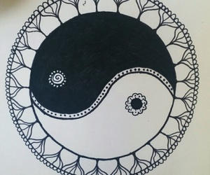 black and white, dibujo, and ying yang image