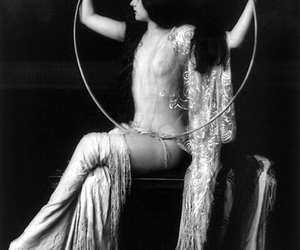 1920s, 1932, and flapper image