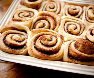food, yummy, and cinnamon roll image