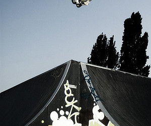 air, ramp, and rollerblade image