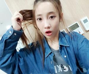 lovelyz jiae and woollim image