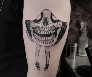 pale, skull, and shoes image