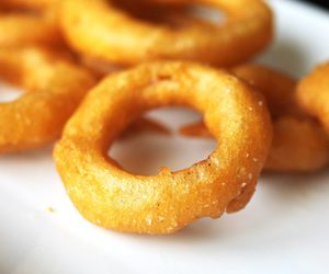 onion, onion ring, and beer batter image