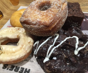 bread, dunkin donuts, and korea image