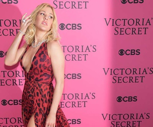Ellie Goulding, vs, and victoria's secret‎ image