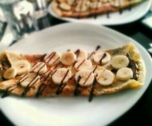 banana, nutela, and creppe image