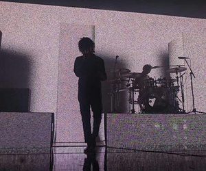 grunge, love me, and the 1975 image