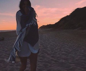kendall jenner, beach, and Kendall image