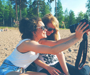 fun, girls, and photography image