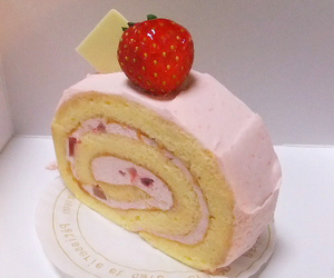 cake and strawberry image