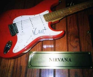 grunge, guitar, and nirvana image