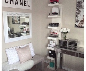 girl, room, and style image