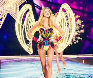 angel, fashion show, and Victoria's Secret image