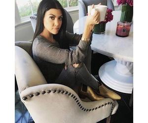 fashion, kardashian, and kourtney kardashian image
