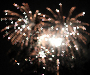 Imagen de fireworks, light, and new year