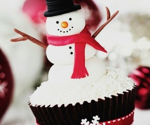 christmas, snowman, and cupcake image