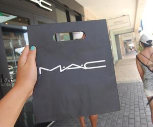 bag, make up, and girly image