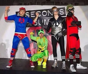 5 seconds of summer, luke hemmings, and 5sos image