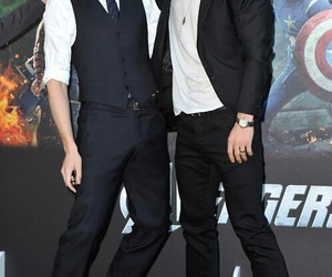 tom hiddleston, chris hemsworth, and Avengers image