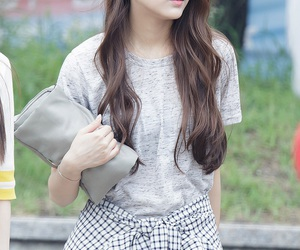 lovelyž, kpop, and yein image