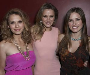 oth, sophia bush, and shantel vansanten image