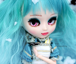 custom, doll, and photographing image