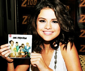 selena gomez, one direction, and 1d image