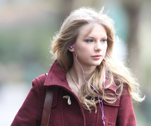 cold, headphones, and taylorswift image