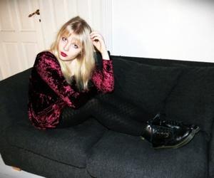 girl and velvet image