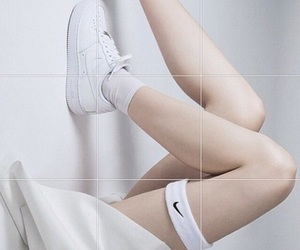 white, nike, and pale image