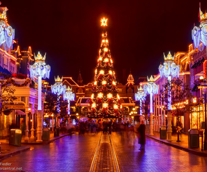 christmas, fr, and town square image