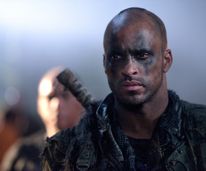 the 100 and lincoln image