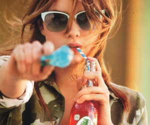 elle italy and camille rowe pourcheresse image