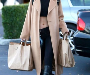 kylie jenner, jenner style, and kylie style image