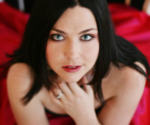 amy lee, evanescence, and red image