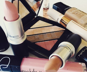 beauty, Burberry, and mac image
