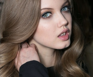 lindsey wixson and model image