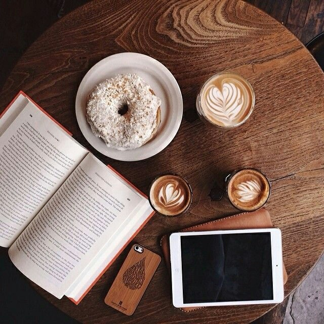 пауков фото дневник для айфон стол