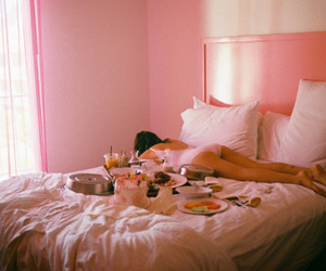 aesthetic, bedroom, and rose image