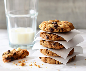 Cookies, chocolate, and oats image