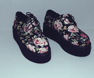 'shoes', 'flowers', and 'grunge' image