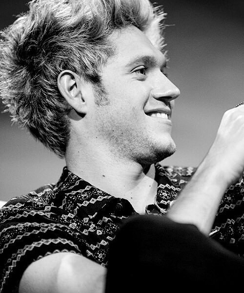 niall, perfectoo, and black+and+white image