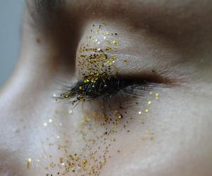 eye, pale, and eyelashes image
