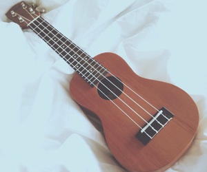 music and ukulele image