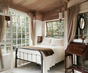 bedroom and treehouse image